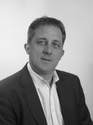 Stéphane Bizouard est bijoutier à Chambéry. Il est trésorier et membre du conseil exécutif du MHB.